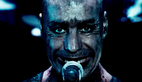 """Links 2 3 4"" from concert film ""Rammstein: Paris"" surfaced online"
