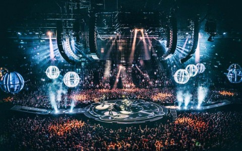 "State-of-the-art approach: Review of ""Muse: Drones World Tour"" concert film"
