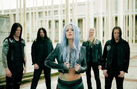 How Arch Enemy's manager provokes a scandal, trying to ban a photographer