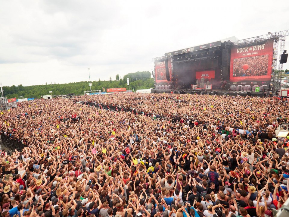 Rock am Ring — Rock Am Ring Festival resumes after evacuation due to possible terrorist threat