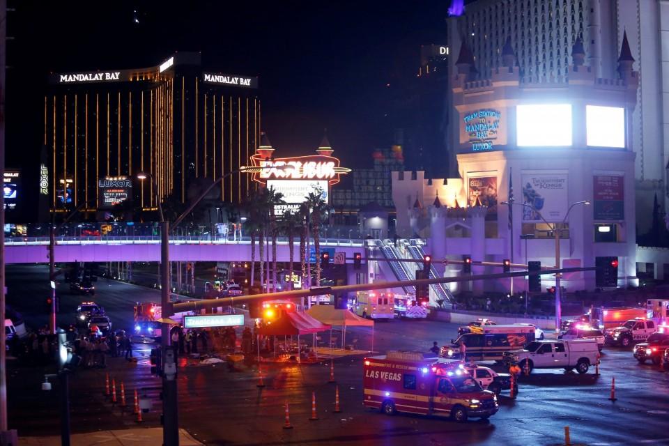Steve Marcus/Reuters — У США на кантрі-фестивалі відбулася масова стрілянина по людях