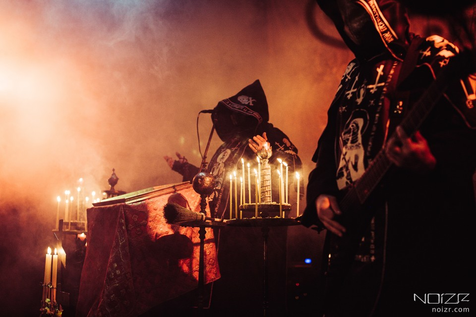 "Krysiuk and Drabikowski during gig in Kyiv, 2018 — Batushka vs Bartushka: ""Panihida"" vs ""Hospodi"" review"